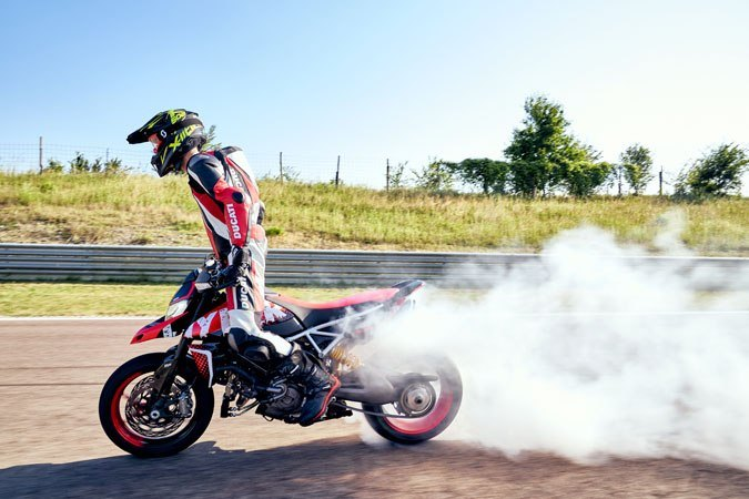 2020 Ducati Hypermotard 950 RVE in Oakdale, New York - Photo 6