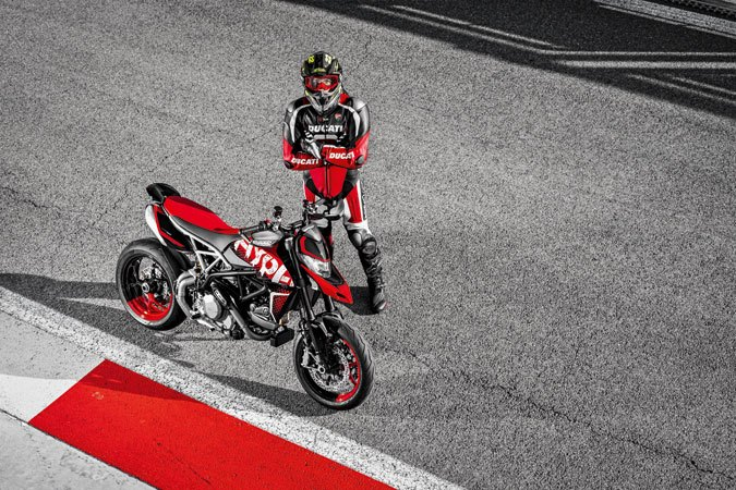 2020 Ducati Hypermotard 950 RVE in Columbus, Ohio - Photo 9