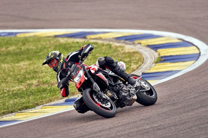 2020 Ducati Hypermotard 950 RVE in Oakdale, New York - Photo 15