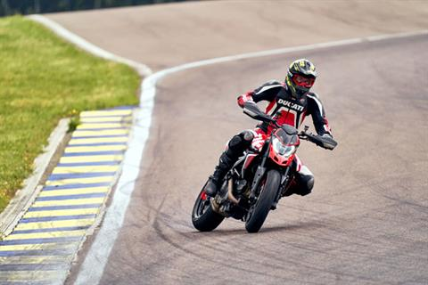 2020 Ducati Hypermotard 950 RVE in West Allis, Wisconsin - Photo 20