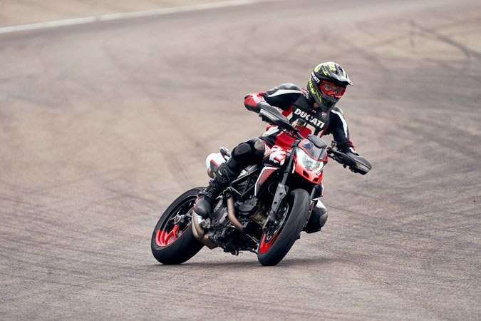 2020 Ducati Hypermotard 950 RVE in Columbus, Ohio - Photo 21