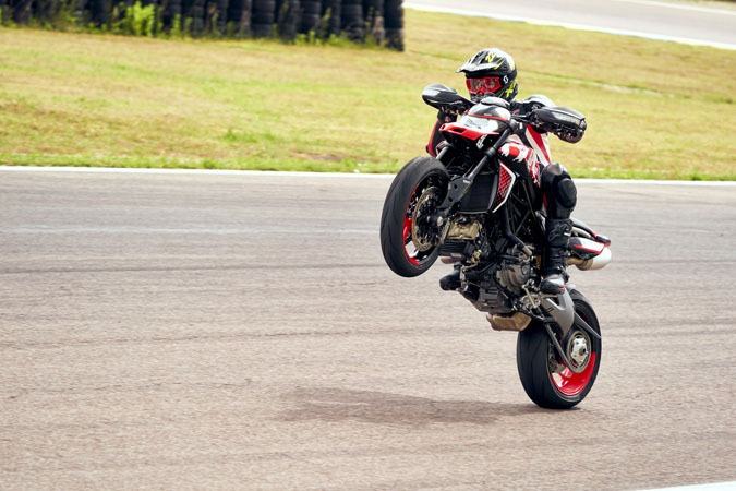 2020 Ducati Hypermotard 950 RVE in West Allis, Wisconsin - Photo 22