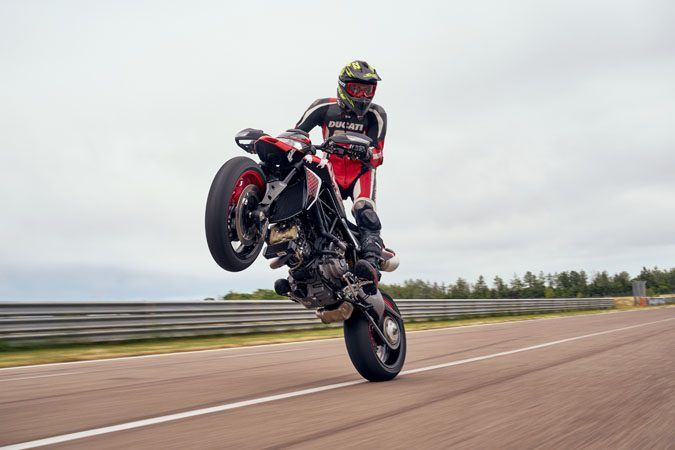 2020 Ducati Hypermotard 950 RVE in Oakdale, New York - Photo 24