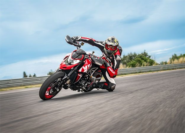 2020 Ducati Hypermotard 950 RVE in Columbus, Ohio - Photo 25