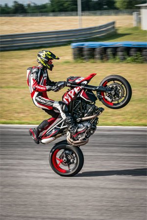 2020 Ducati Hypermotard 950 RVE in West Allis, Wisconsin - Photo 29