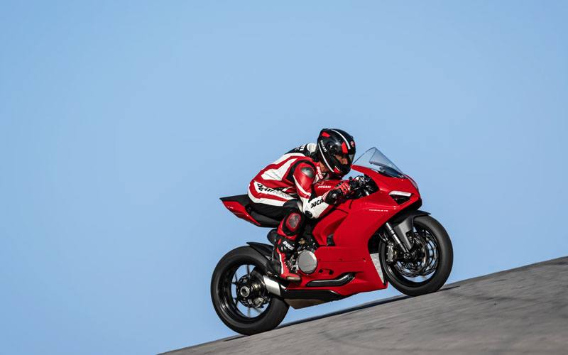 2020 Ducati Panigale V2 in Saint Louis, Missouri - Photo 9