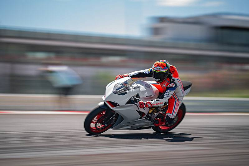 2020 Ducati Panigale V2 in Fort Montgomery, New York - Photo 11