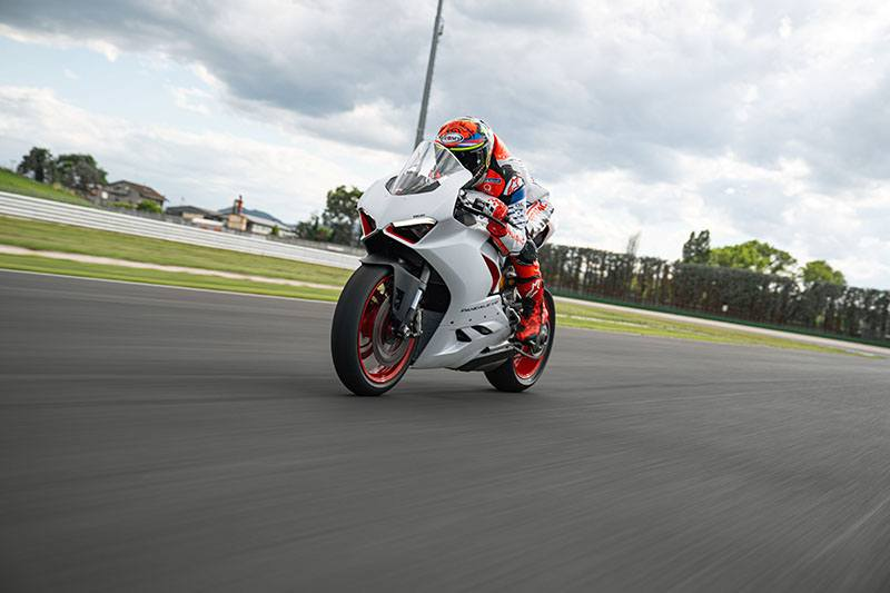 2020 Ducati Panigale V2 in Fort Montgomery, New York - Photo 14
