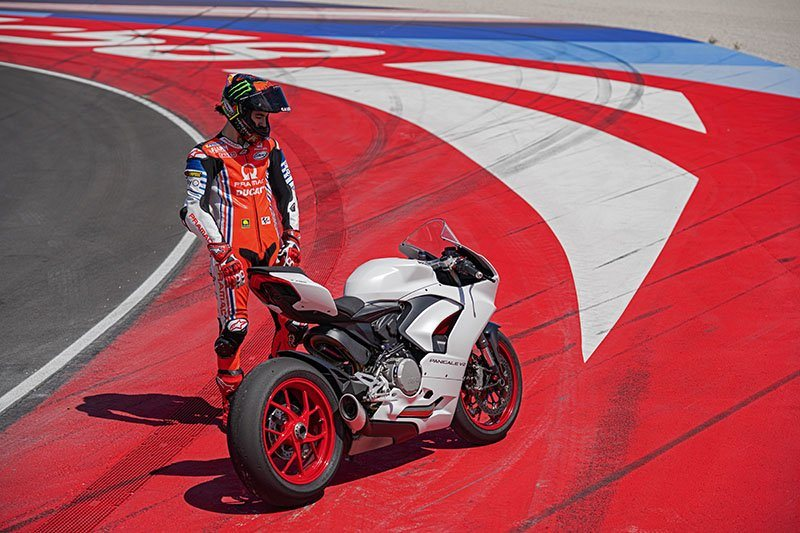 2020 Ducati Panigale V2 in Fort Montgomery, New York - Photo 15