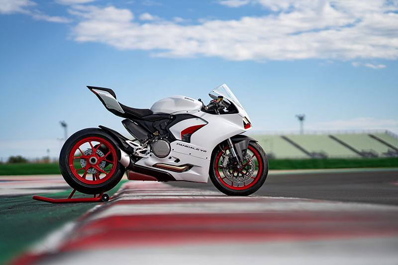 2020 Ducati Panigale V2 in Fort Montgomery, New York - Photo 18