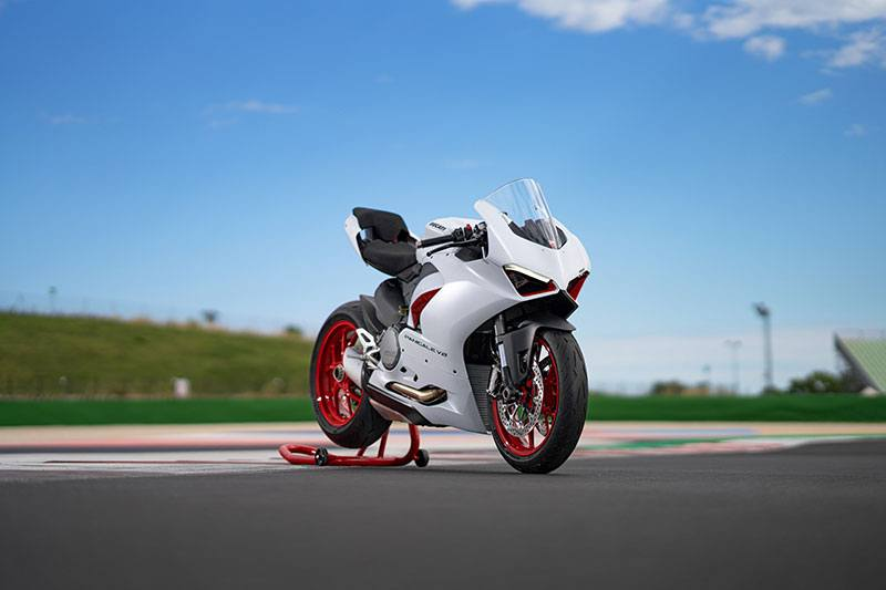 2020 Ducati Panigale V2 in Fort Montgomery, New York - Photo 20
