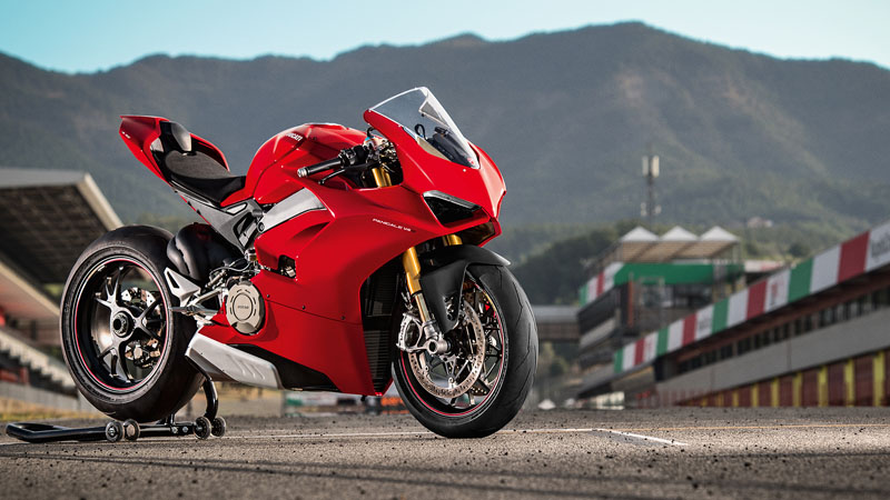 2019 Ducati Panigale V4 S in New Haven, Connecticut - Photo 2