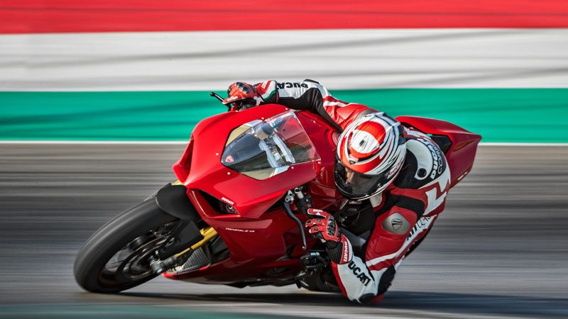 2019 Ducati Panigale V4 S in Northampton, Massachusetts