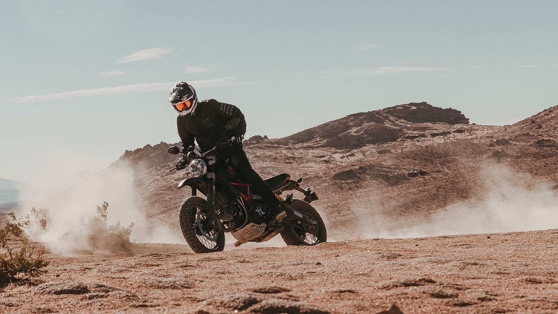 2021 Ducati Scrambler Desert Sled Fasthouse LE in Philadelphia, Pennsylvania - Photo 17