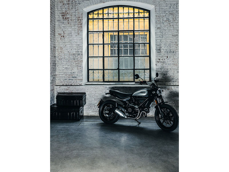 2021 Ducati Scrambler Icon Dark in Albuquerque, New Mexico - Photo 2