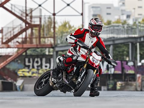 2021 Ducati Hypermotard 950 RVE in De Pere, Wisconsin - Photo 11