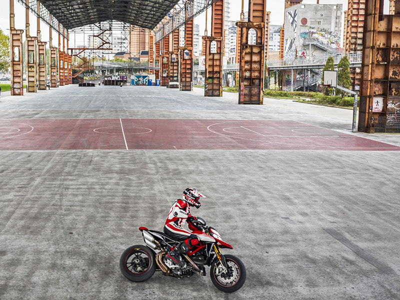 2021 Ducati Hypermotard 950 RVE in De Pere, Wisconsin - Photo 12
