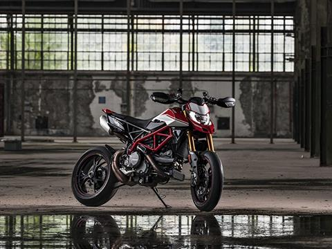 2021 Ducati Hypermotard 950 RVE in De Pere, Wisconsin - Photo 15