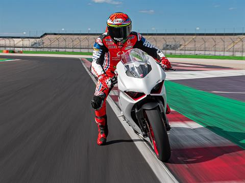 2021 Ducati Panigale V2 in Philadelphia, Pennsylvania - Photo 2