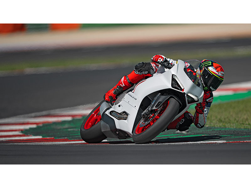 2021 Ducati Panigale V2 in Oakdale, New York - Photo 9