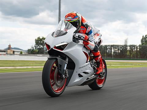 2021 Ducati Panigale V2 in De Pere, Wisconsin - Photo 15
