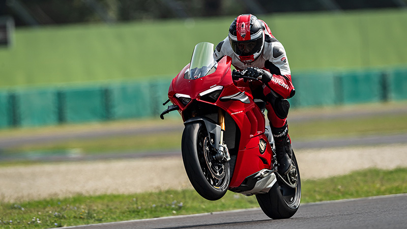 2021 Ducati Panigale V4 in Elk Grove, California - Photo 2