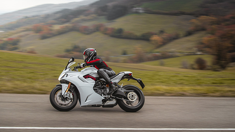 2021 Ducati SuperSport 950 S in Saint Louis, Missouri - Photo 10