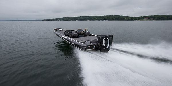 2019 Evinrude E-TEC G2 225 HO (E225LHO) in Harrison, Michigan