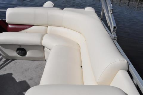 2015 Bentley Pontoons 220/223 Elite in Stuart, Florida