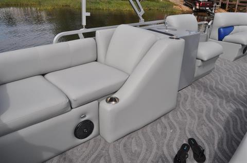 2016 Bentley Pontoons 220/223 Elite Rear Lounger in Stuart, Florida