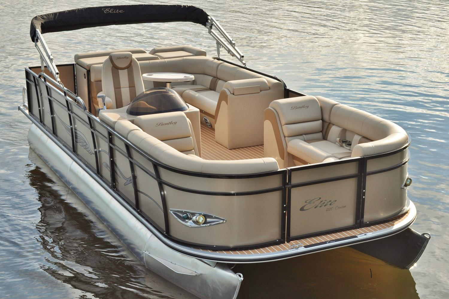 2017 Bentley Pontoons 220 Elite Admiral in Stuart, Florida
