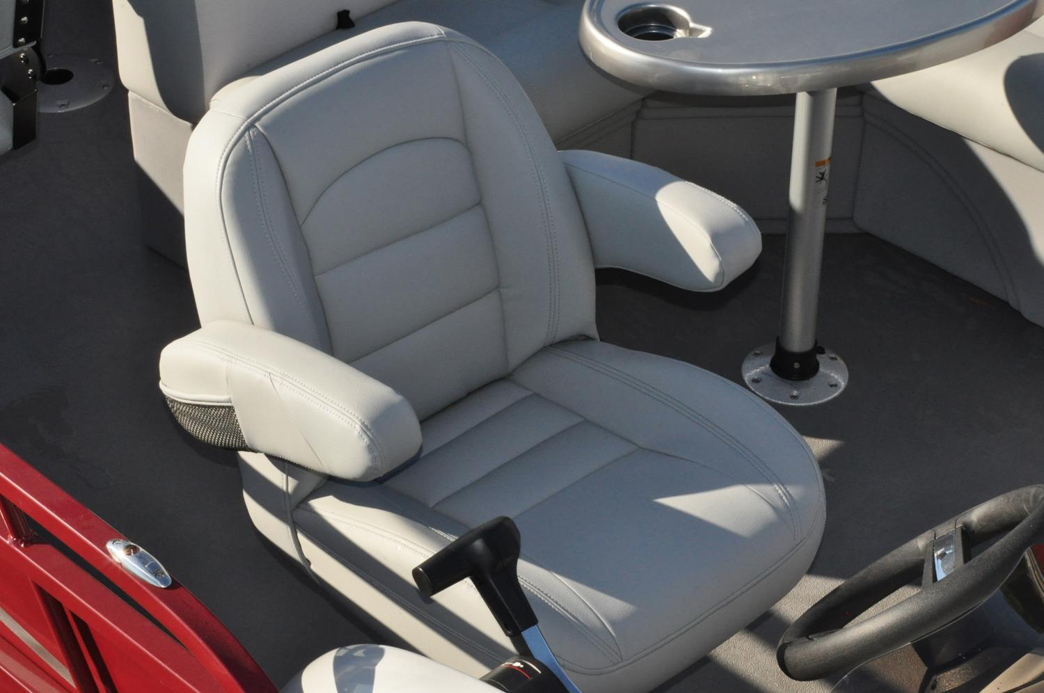 2017 Bentley Pontoons 220 Rear Lounger in Stuart, Florida