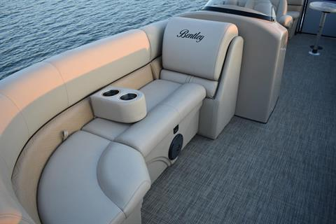 2019 Bentley Pontoons 220 navigator in Norfolk, Virginia - Photo 2