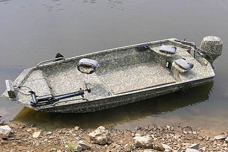 2017 Excel 1544 Viper Duck Boat in Goldsboro, North Carolina