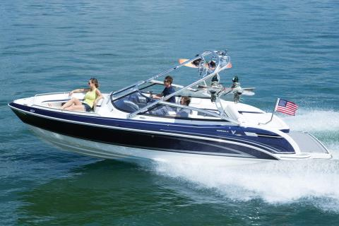 2015 Formula 240 Bowrider in Round Lake, Illinois