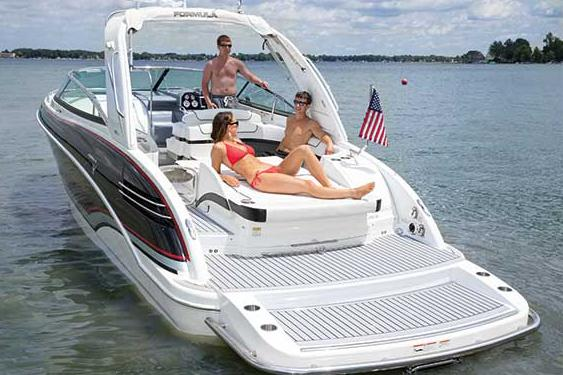 2015 Formula 290 Bowrider in Round Lake, Illinois