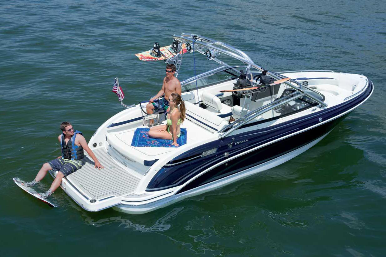 2016 Formula 240 Bowrider in Round Lake, Illinois