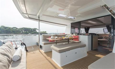 Fountaine Pajot Helia 44 Evolution Cockpit