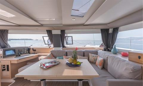Fountaine Pajot Helia 44 Evolution Saloon
