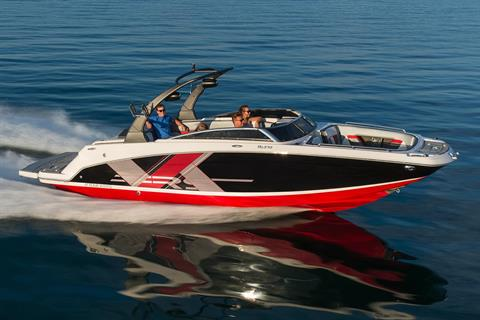 2018 Four Winns HD270RS Surf in Kalamazoo, Michigan