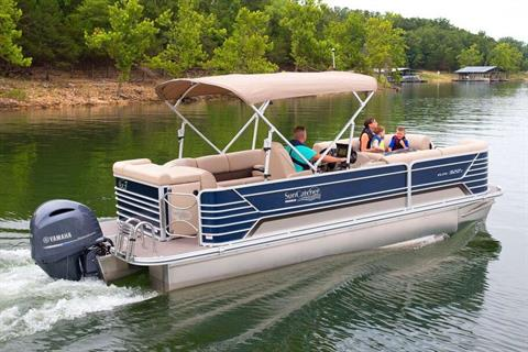 2019 SunCatcher Elite 322 C in Lake Mills, Iowa - Photo 2