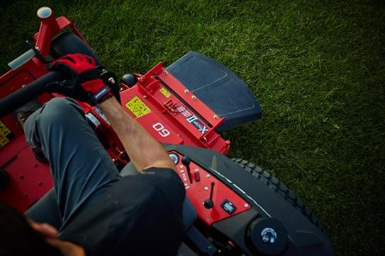 2016 Gravely USA Pro-Turn 472 (Kohler 33 hp) in Rushford, Minnesota
