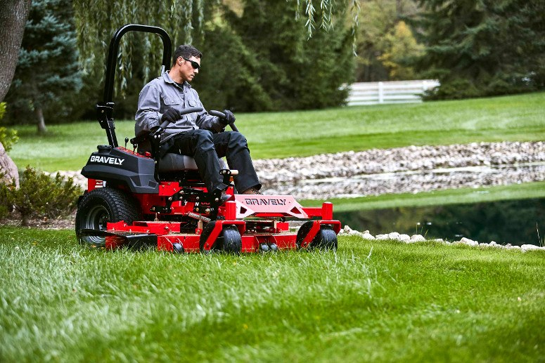 2017 Gravely USA Pro-Turn 52 (Kawasaki 23 hp V-Twin) in Rushford, Minnesota