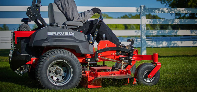 2021 Gravely USA Pro-Turn 472 72 in. Kohler ECV880 33 hp in Kansas City, Kansas - Photo 3