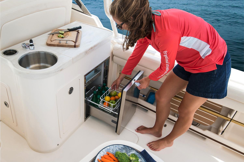 2019 Grady-White Freedom 307 Power Boats Outboard Bridgeport