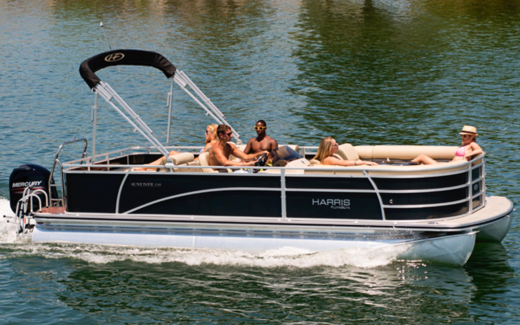 2013 Harris Flotebote Sunliner 220 in Manitou Beach, Michigan
