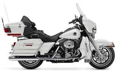 2004 Harley-Davidson FLHTCUI Ultra Classic® Electra Glide® in Temecula, California - Photo 34