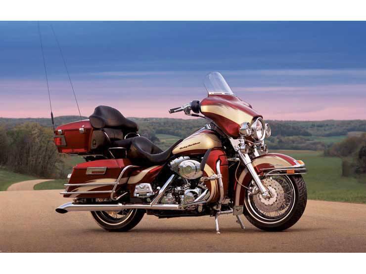 2005 Harley-Davidson FLHTCUI Ultra Classic Electra Glide 3