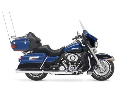 2010 Harley-Davidson Electra Glide® Ultra Limited in Paris, Texas - Photo 2