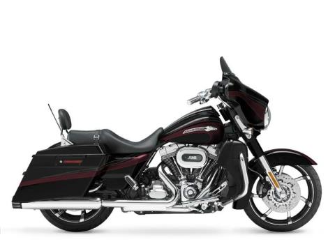 2011 Harley-Davidson CVO™ Street Glide® in Junction City, Kansas